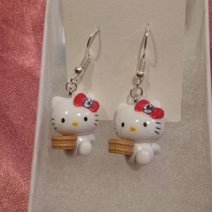 💞🆕💞 Earrings Hello Kitty Licensed Sanrio Charms